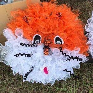AUbie deco mesh wreath